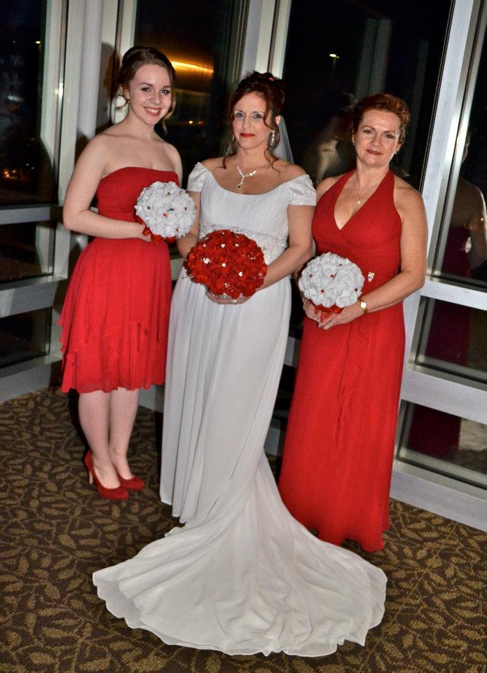 White Bouquets And Red Bridal Bouquets Thebridesbouquet Com